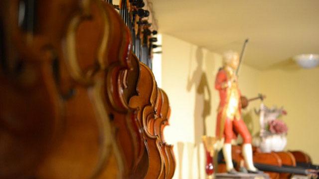大阪でバイオリンの制作を依頼するなら【Liuteria-BATO】 | Products Sale バイオリンなどの弦楽器・弓・弦・アクセサリーなどの販売